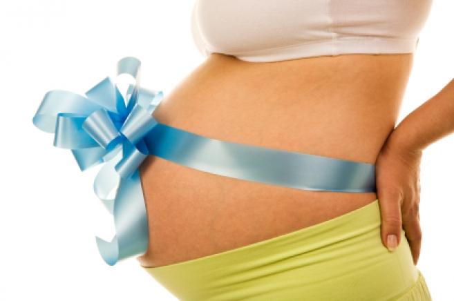 Женщина с пересаженной маткой родит ребенка
