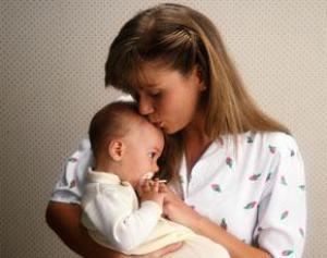 Чем старше мать ребенка, тем он умнее