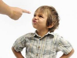 10 главных ошибок мамочек в воспитании детей