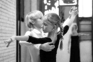 Опасные движения: все больше детей повреждают ноги в танце