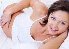 Проблемы с зубами в период беременности начинаются с… десен