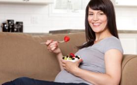 Питание во время беременности: как не привить ребенку зависимость от еды еще в утробе?
