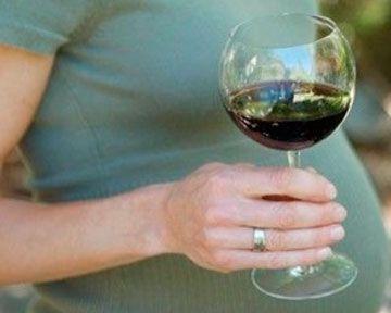 Пара бокалов вина в неделю во время беременности не могут навредить ребенку