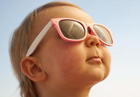 Как защитить кожу ребенка летом?