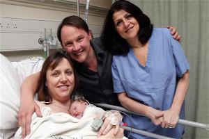 В Великобритании родился первый ребенок, зачатый при помощи покадрового эко