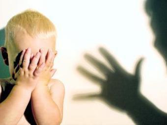 Физические наказания в детстве ведут к будущим хроническим болезням