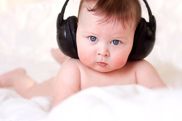 Музыка облегчает боль у детей