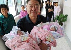 Время перемен: в Китае 60-летняя женщина родила двойню