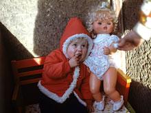 Всех маленьких мальчиков больше интересуют куклы, чем машинки