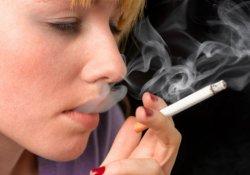 Курение и ранний климакс: каждая затяжка сигареты приближает менопаузу