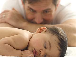 Высокий уровень тестостерона делает мужчину хорошим отцом