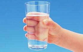 Нужно приучать детей пить воду