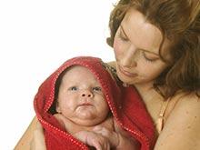Матери, отвечающие на лепет детей, способствуют развитию их речи