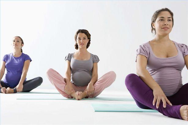 Йога для беременных: чем она полезна