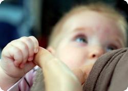 Практика кормления не влияет на развитие пищевой аллергии у детей