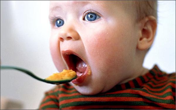Как делать прикорм ребенка