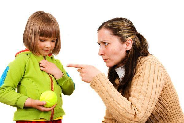 Ребёнок тихоня: стоит ли волноваться