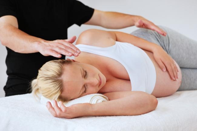 Что даст массаж для беременной женщины