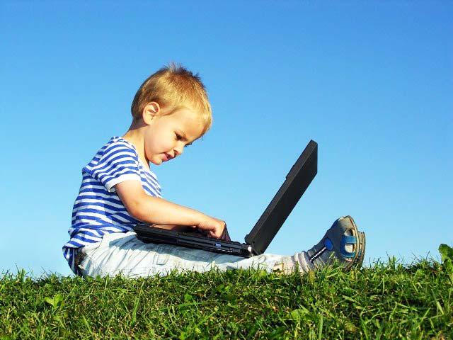 Ученые рассказали, что планшеты и смартфоны тормозят развитие детей