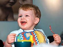 Положительные эмоции помогают детям учиться, доказал эксперимент