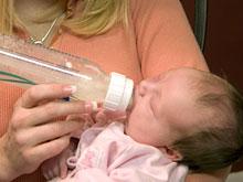 Вода — лучший напиток для маленького ребенка