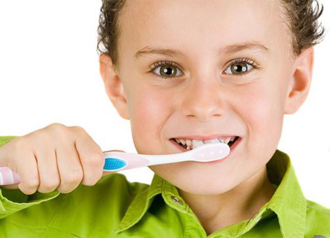 Гигиена полости рта у малышей