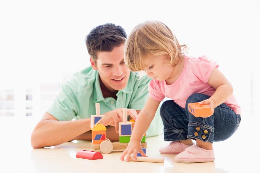 Ученые: дети любят играть в обычные игры, а не проводить время с планшетами