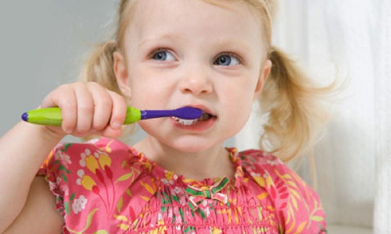 Эти несложные правила позволят сохранить здоровыми зубы ребенка