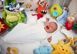 Как детское одеяльце может стать причиной смерти малыша