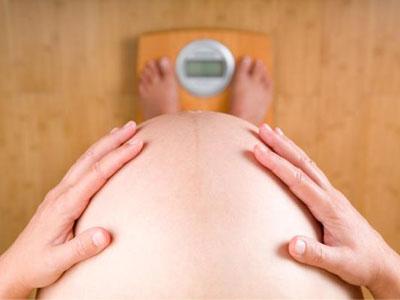 Лишний вес беременных увеличивает риск развития ожирения у детей