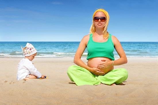 Опасно ли загорать беременным – отвечают специалисты