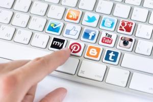 Социальные сети не вредят успеваемости школьников, в отличие от компьютерных игр