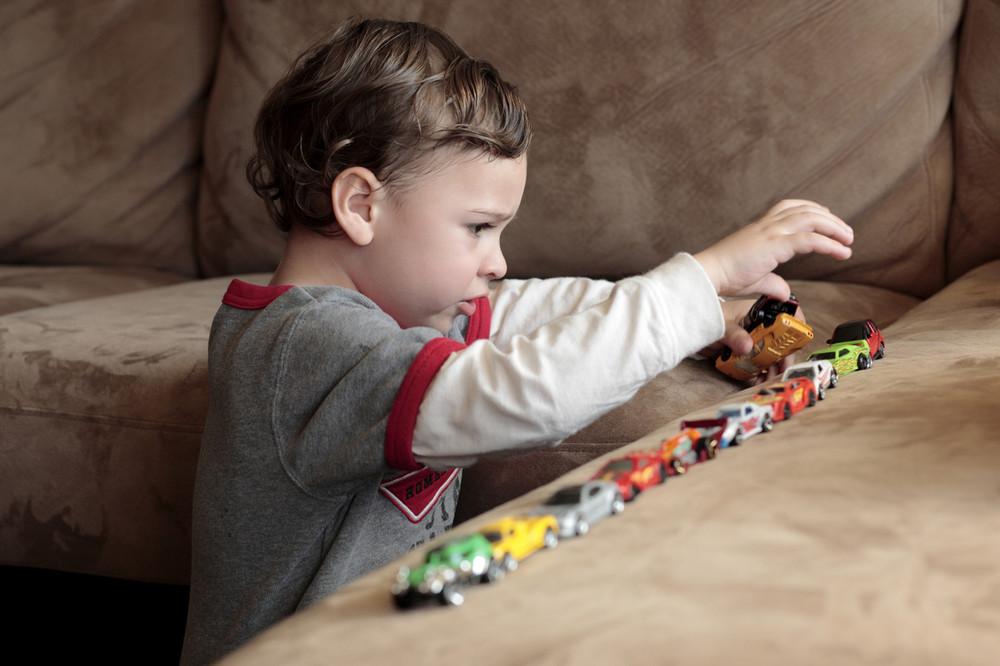 Стимуляция родов не приводит к аутизму у малыша