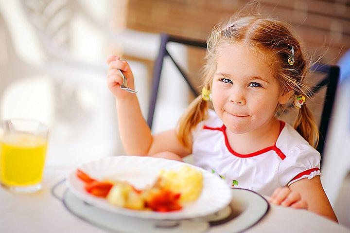Еда влияет на поведении ребенка
