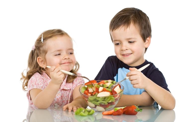 Какие продукты включить в меню ребенка, чтобы он меньше болел