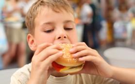Дети, которые живут около заведений фастфуда, чаще страдают ожирением