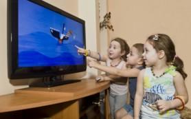 Телевизоры в детской провоцируют у малышей ожирение