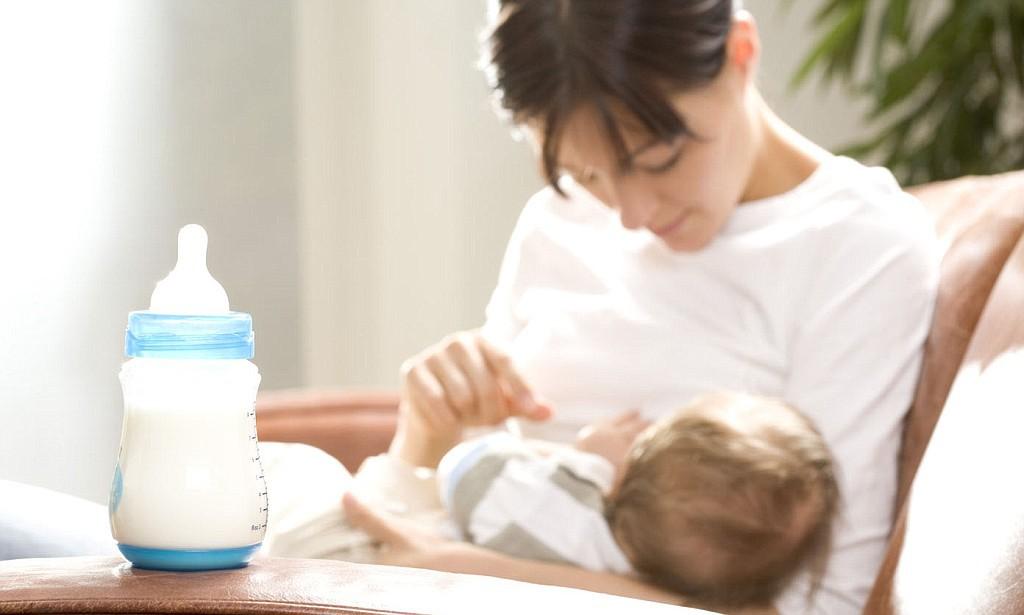 Грудное молоко может стать причиной возникновения аллергических реакций у младенцев