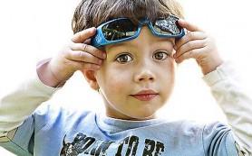 Глаза ребенка нуждаются в защите от солнца!