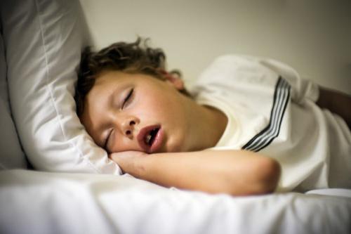 Из-за храпа у детей появляются нарушения в развитии