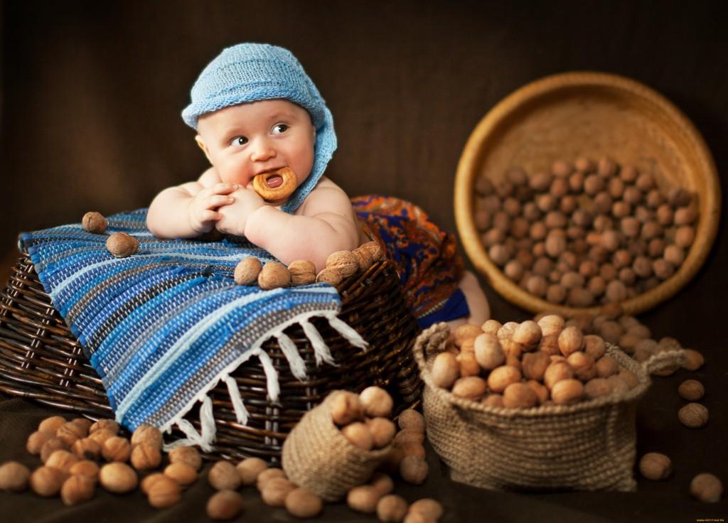 С какого возраста можно давать ребенку орехи