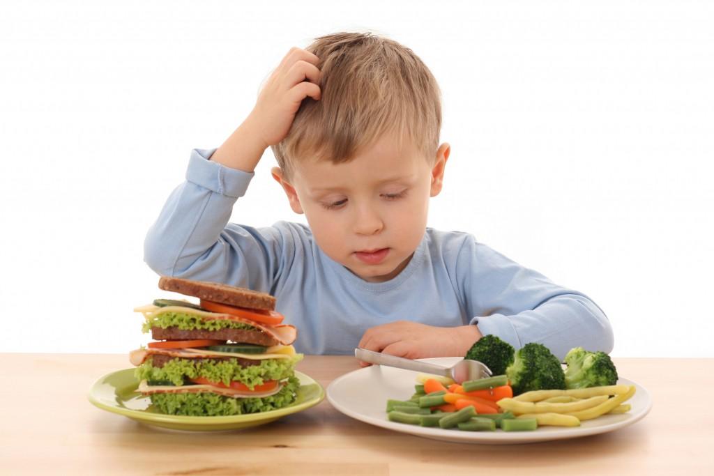 Новые продукты тренируют пищеварительную систему ребенка