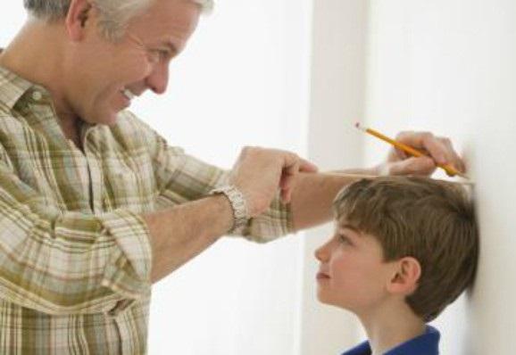 Ученые назвали главную причину задержки роста у детей