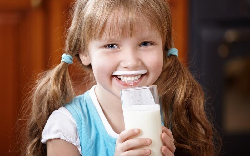 У детей аллергия на белок коровьего молока связана с риском развития остеопении