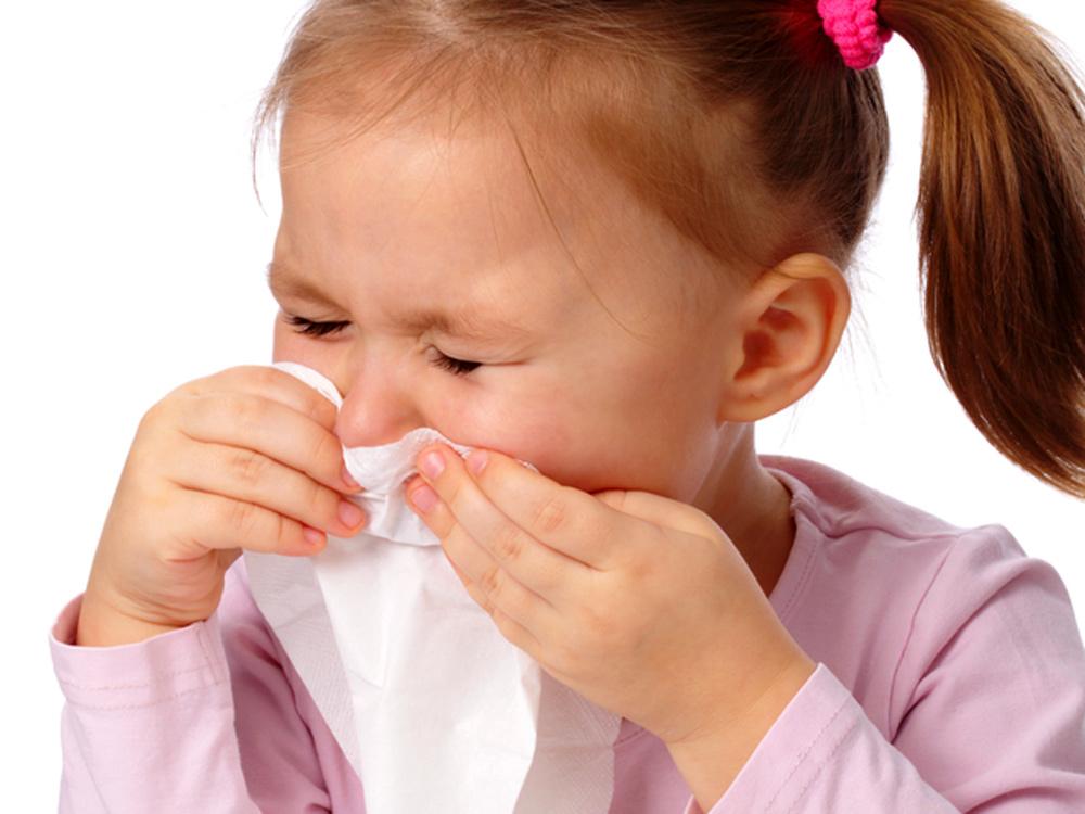 Насморк у маленьких детей: чем лечить