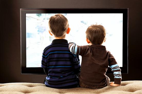Телевизор портит детям психику