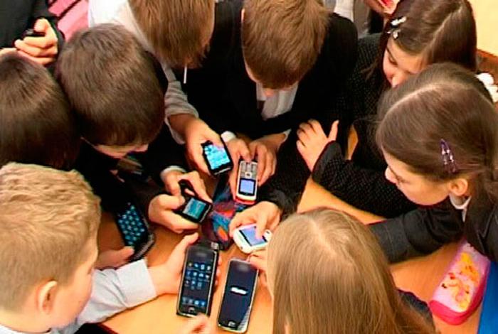 Мобильный телефон особенно опасен для детей