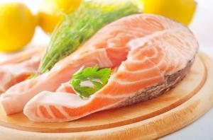 Жирные сорта рыбы снижают вероятность развития астмы у детей