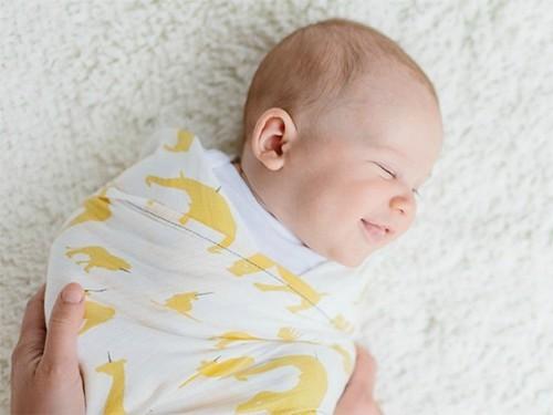 Пеленание увеличивает риск внезапной младенческой смерти