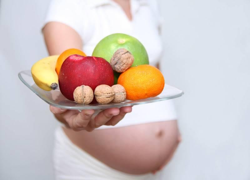 Какие продукты опасно употреблять во время беременности